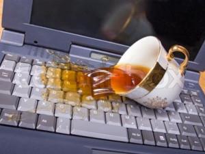 Cách xử lý Laptop bị nước vào