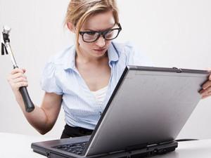 Thói quen xấu nên bỏ khi dùng Laptop
